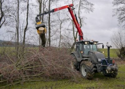 GMT035 grapple saw on tractor crane